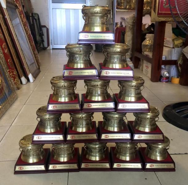 mua trống đồng lưu niệm tại Hà Nội