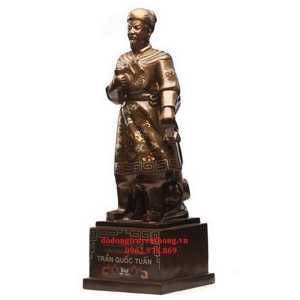 tượng Trần Hưng Đạo bằng đồng khảm tam khí