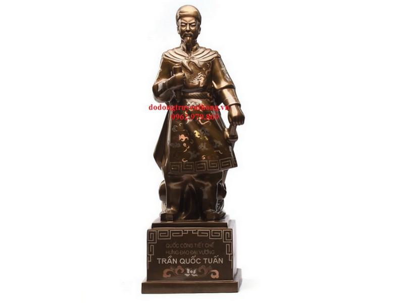 tượng đồng Trần Quốc Tuấn khảm tam khí