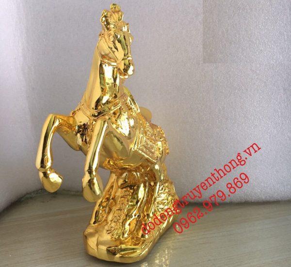 tượng ngựa phong thủy mạ vàng