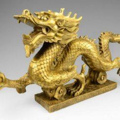 Tượng rồng phong thủy cầm ngọc bằng đồng