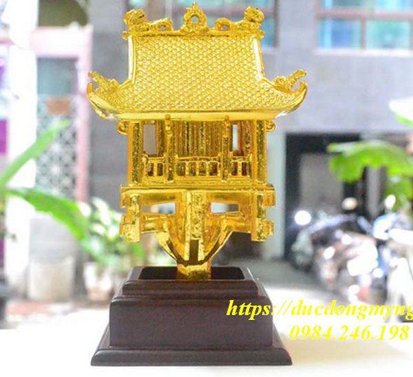 chùa một cột mạ vàng